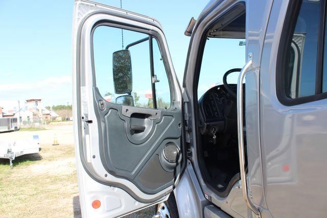 2015 Freightliner M2 106 SPORTCHASSIS RHA Luxury Ranch Diesel Hauler CONROE, TX 30