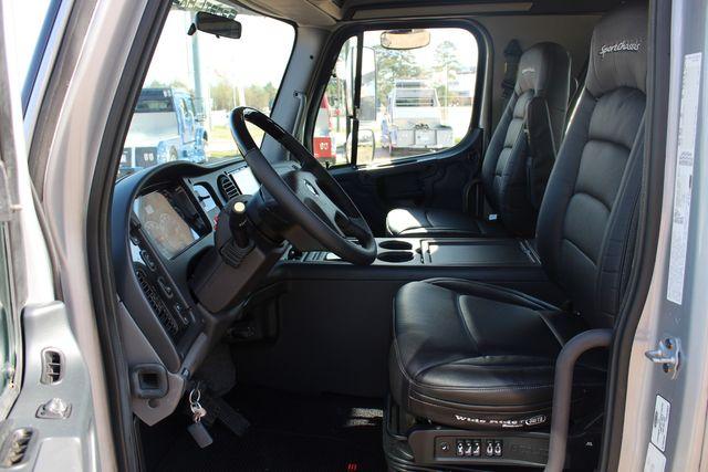 2015 Freightliner M2 106 SPORTCHASSIS RHA Luxury Ranch Diesel Hauler CONROE, TX 32