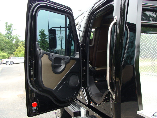 2015 Freightliner M2 106 SPORT SPORTCHASSIS CONROE, TX 29