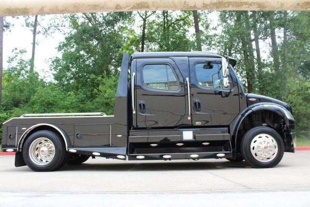 2016 Freightliner M2 106 Sport SportChassis RHA ONYX Luxury Hauler Truck NEW DEMO CONROE, TX 20