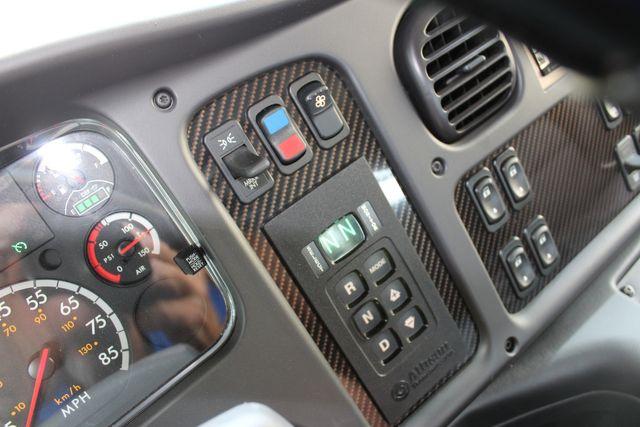 2016 Freightliner M2 106 Sport SportChassis RHA ONYX Luxury Hauler Truck NEW DEMO CONROE, TX 38