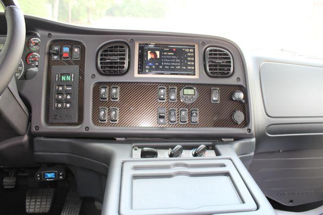 2016 Freightliner M2 106 Sport SportChassis RHA ONYX Luxury Hauler Truck NEW DEMO CONROE, TX 39