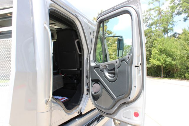 2015 Freightliner M2 - SPORTCHASSIS RHA SportChassis Luxury Ranch Hauler CONROE, TX 34
