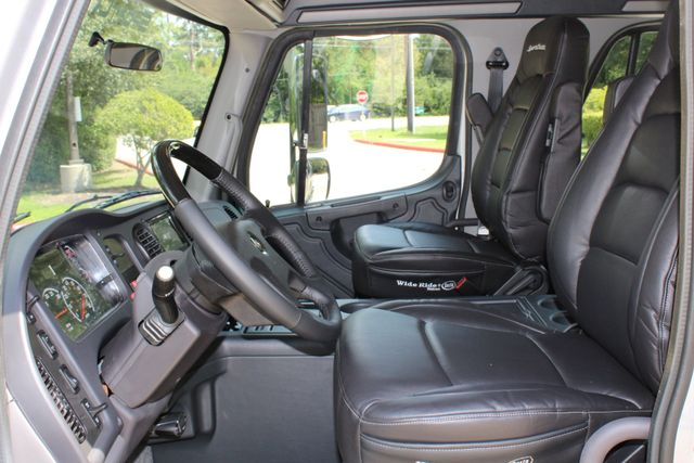 2015 Freightliner M2 - SPORTCHASSIS RHA SportChassis Luxury Ranch Hauler CONROE, TX 40