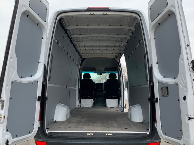 2015 Freightliner Sprinter Cargo Vans Chicago, Illinois 4