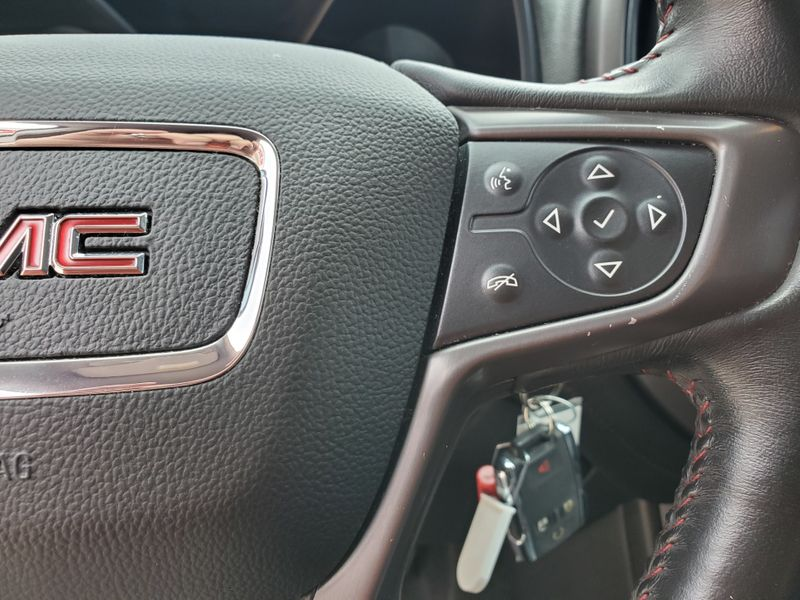 2015 GMC Canyon 2WD SLE  Brownsville TX  English Motors  in Brownsville, TX