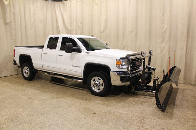 2015 GMC Sierra 2500HD 4x4 Plow SLE in Roscoe IL, 61073
