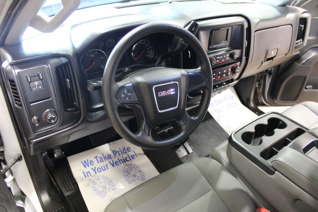 2015 GMC Sierra 2500HD Diesel 4x4 in Roscoe IL, 61073