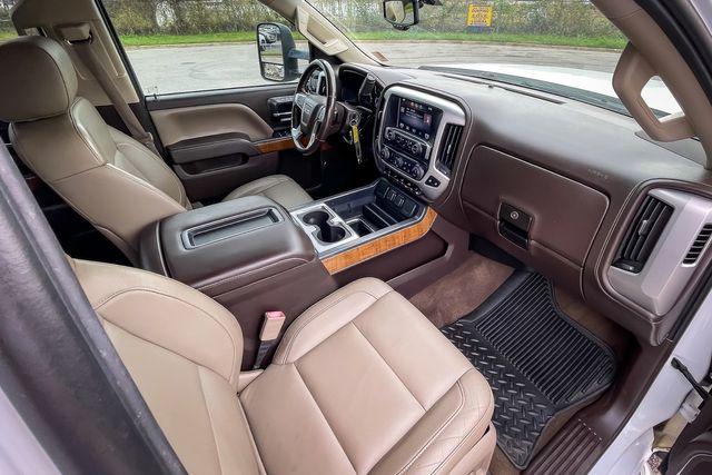 2015 GMC Sierra 2500HD SLT Z71 4WD Off Road Package with 6.0L V8 in Memphis, TN 38115