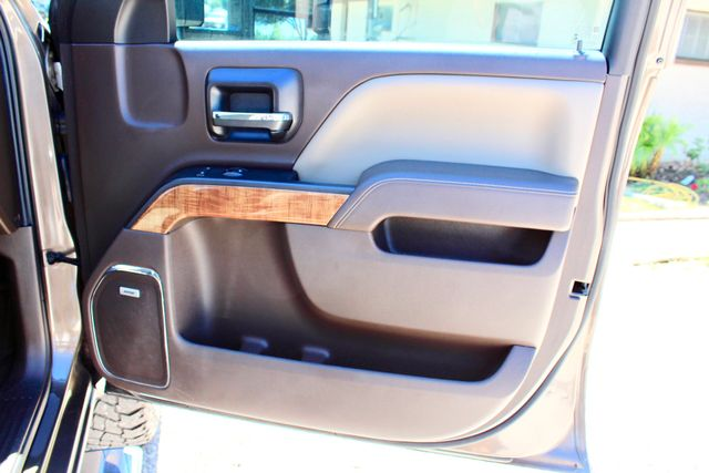 2015 GMC Sierra 2500HD SLT Crew Cab 4x4 6.6L Duramax Diesel Allison Auto Sealy, Texas 51