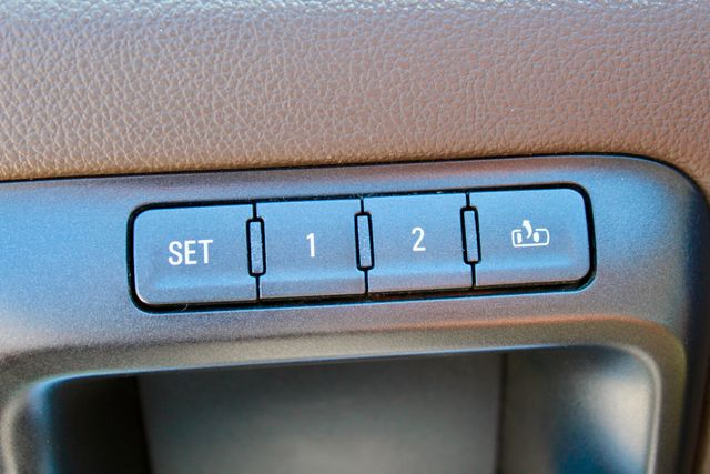 2015 GMC Sierra 2500HD SLT Crew Cab 4x4 6.6L Duramax Diesel Allison Auto Sealy, Texas 58