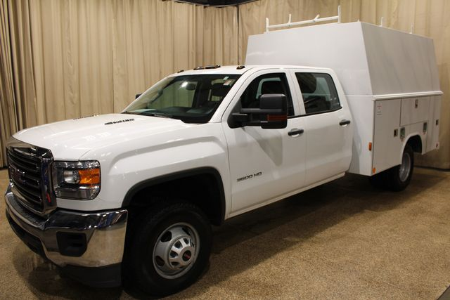 2015 GMC Sierra 3500HD Utility box in Roscoe IL, 61073