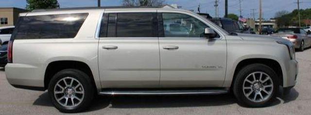2015 GMC Yukon XL SLT St. Louis, Missouri 3