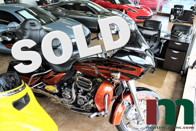 2015 Harley-Davidson CVO Road Glide Ultra FLTRUSE | Granite City, Illinois | MasterCars Company Inc. in Granite City Illinois