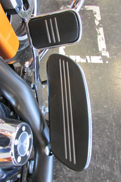 2015 Harley-Davidson Road Glide® Base Arlington, Texas 20