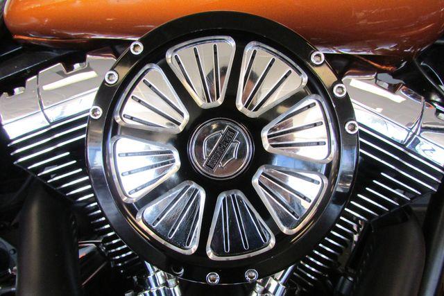 2015 Harley-Davidson Road Glide® Base Arlington, Texas 25