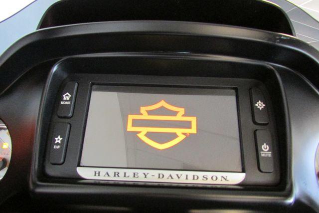 2015 Harley-Davidson Road Glide® Base Arlington, Texas 32