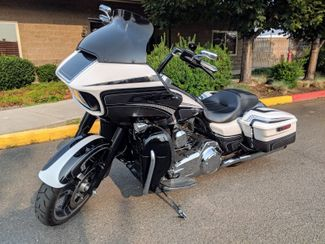 2015 Harley-Davidson Road Glide® Base Bend, Oregon 23