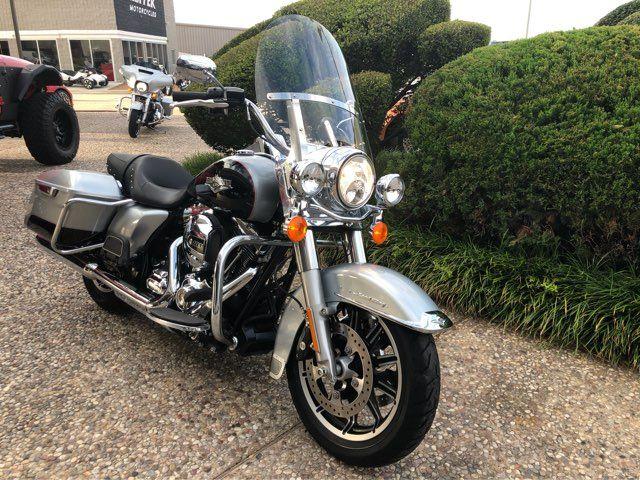 2015 Harley-Davidson Road King in McKinney, TX 75070
