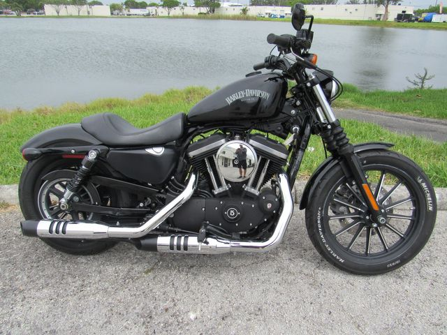 2015 Harley Davidson Sportster Iron 883 in Dania Beach , Florida 33004
