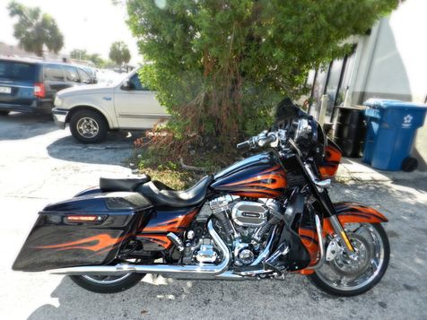 2015 Harley-Davidson Street Glide CVO Street Glide in Hollywood, Florida