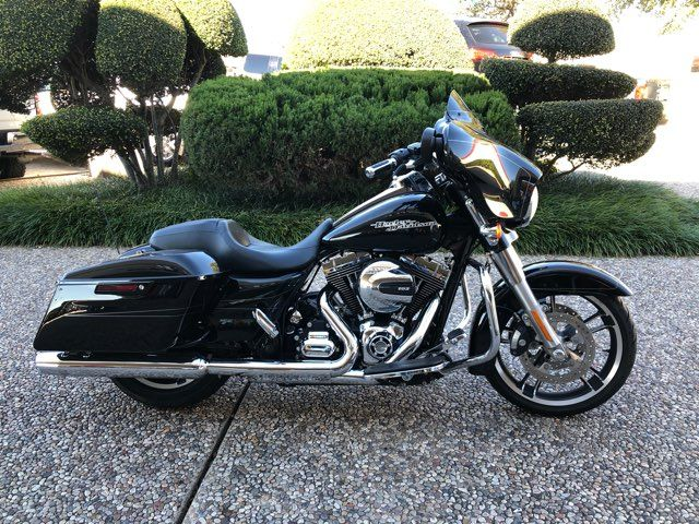 2015 Harley-Davidson Street Glide Special MANAGERS SPECIAL OF THE WEEK