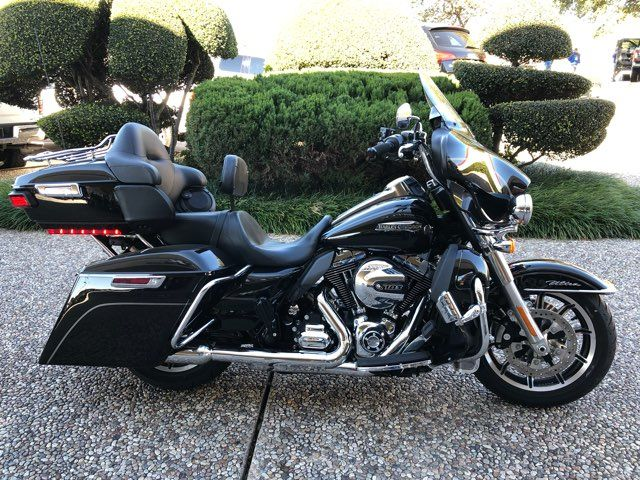 2015 Harley-Davidson Ultra Classic Low *** ONLY 752 MILES ***