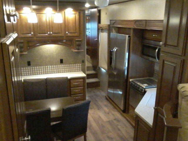 2015 Heartland BIG COUNTRY 3700 FL 5th Wheel RV Boerne, Texas 14
