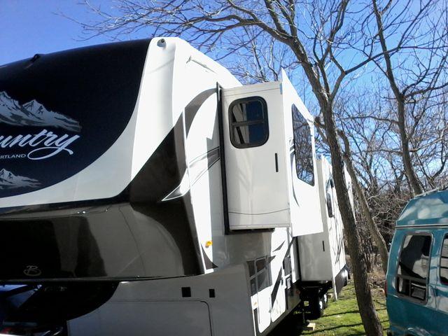2015 Heartland BIG COUNTRY 3700 FL 5th Wheel RV Boerne, Texas 0