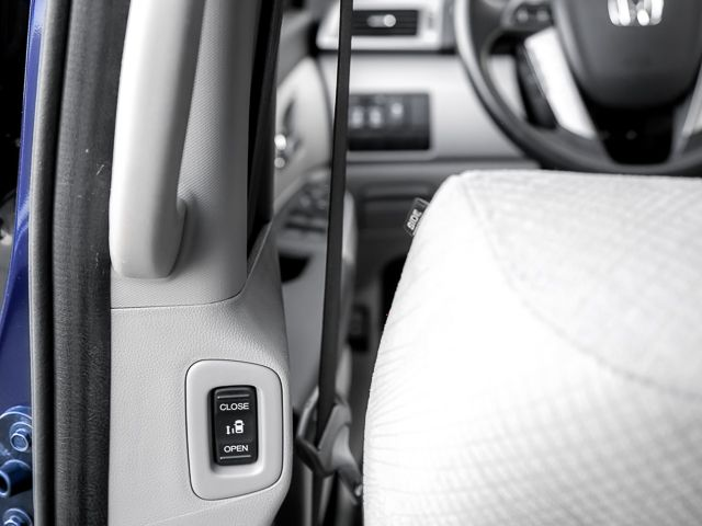 2015 Honda Odyssey EX Burbank, CA 16
