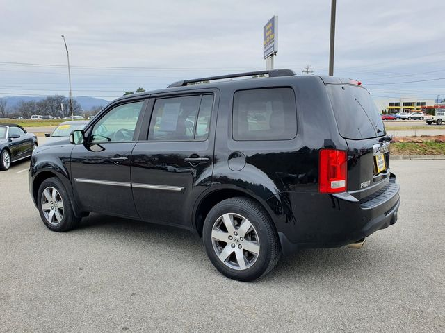 2015 Honda Pilot Touring 4WD w/Leather/Navigation/DVD in Louisville, TN 37777