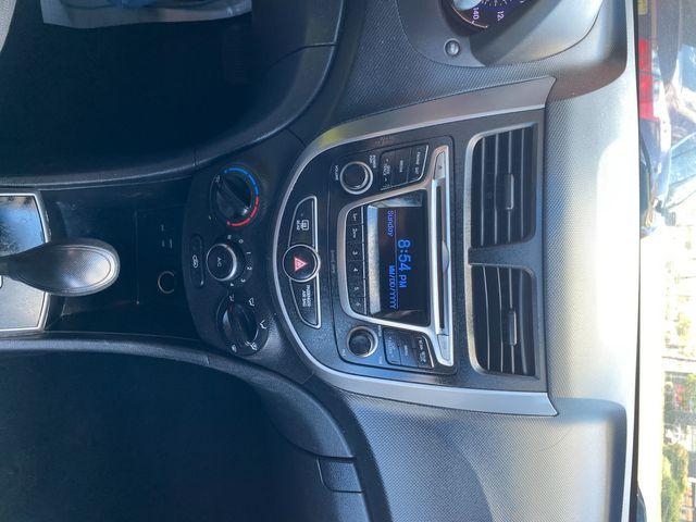2015 Hyundai Accent 5-Door GS New Brunswick, New Jersey 11