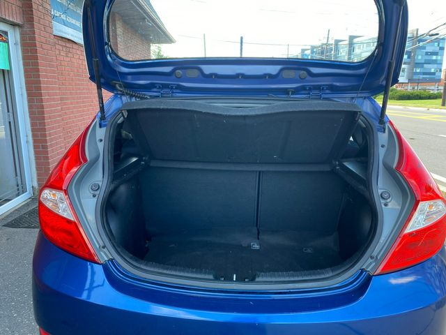 2015 Hyundai Accent 5-Door GS New Brunswick, New Jersey 9