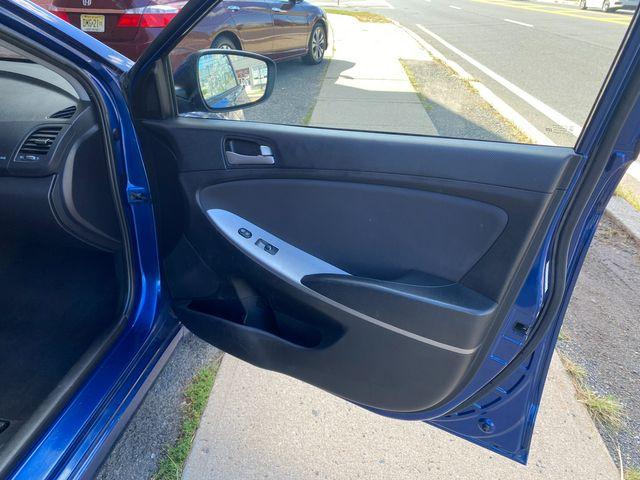 2015 Hyundai Accent 5-Door GS New Brunswick, New Jersey 18