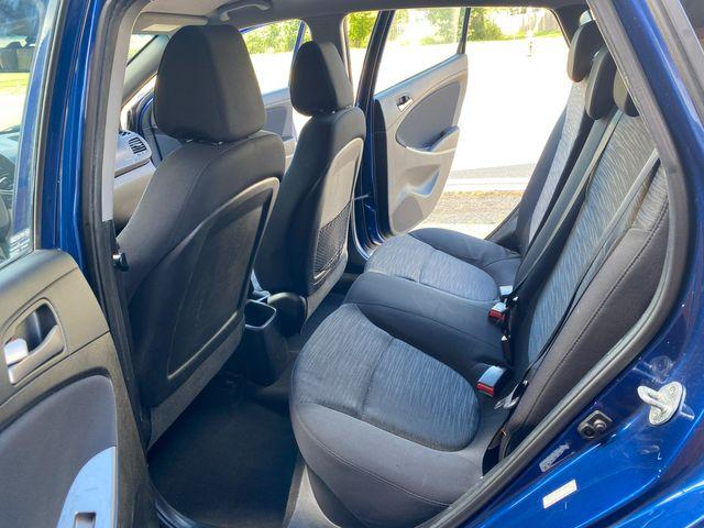 2015 Hyundai Accent 5-Door GS New Brunswick, New Jersey 21