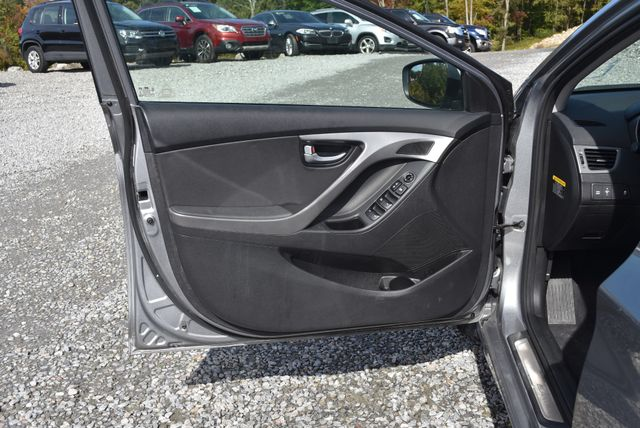 2015 Hyundai Elantra Limited Naugatuck, Connecticut 16
