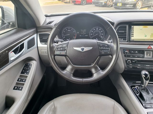 2015 Hyundai Genesis 3.8L w/Leather/Sunroof/Navigation in Louisville, TN 37777