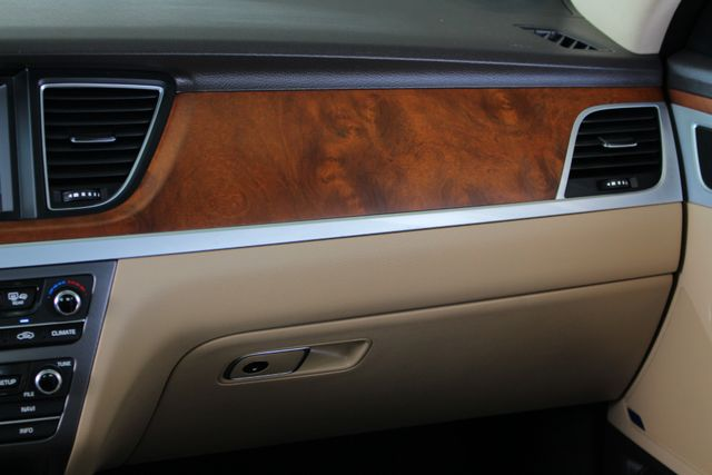 2015 Hyundai Genesis 5.0L RWD - NAV - DUAL SUNROOFS - SMART CRUISE! Mooresville , NC 7