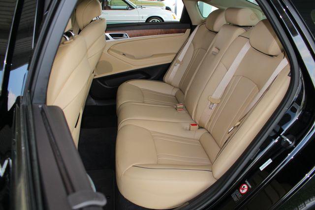 2015 Hyundai Genesis 5.0L RWD - NAV - DUAL SUNROOFS - SMART CRUISE! Mooresville , NC 11