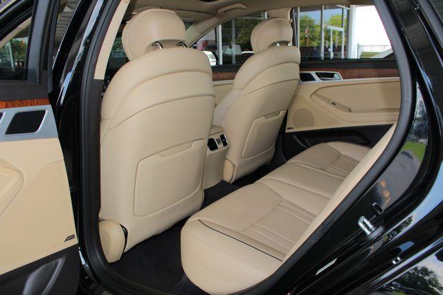 2015 Hyundai Genesis 5.0L RWD - NAV - DUAL SUNROOFS - SMART CRUISE! Mooresville , NC 43