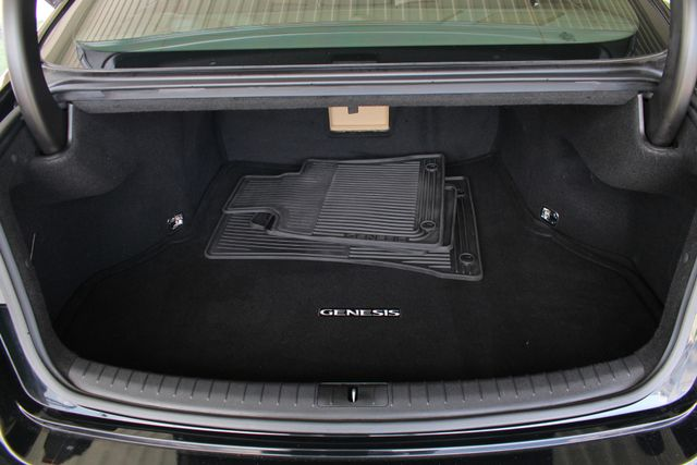 2015 Hyundai Genesis 5.0L RWD - NAV - DUAL SUNROOFS - SMART CRUISE! Mooresville , NC 12