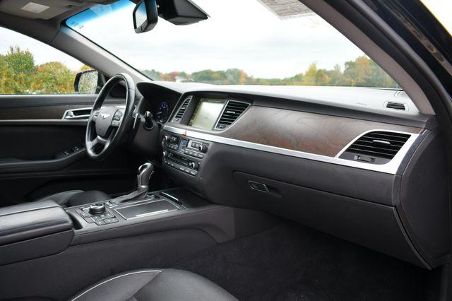 2015 Hyundai Genesis 3.8L AWD Naugatuck, Connecticut 11