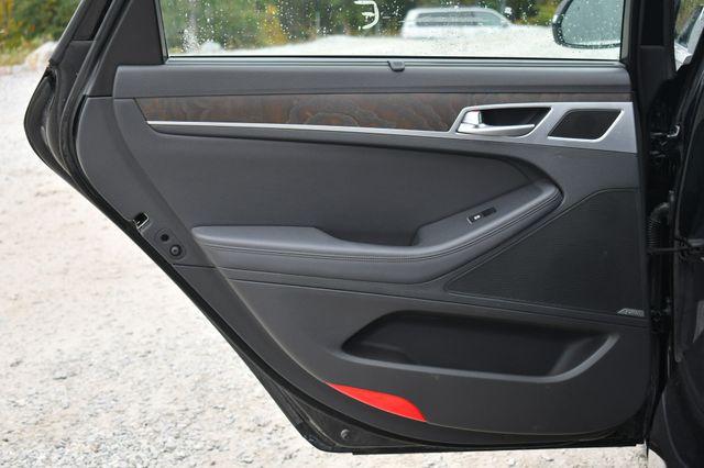 2015 Hyundai Genesis 3.8L AWD Naugatuck, Connecticut 14