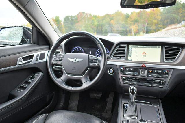 2015 Hyundai Genesis 3.8L AWD Naugatuck, Connecticut 17