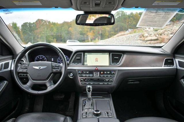 2015 Hyundai Genesis 3.8L AWD Naugatuck, Connecticut 18