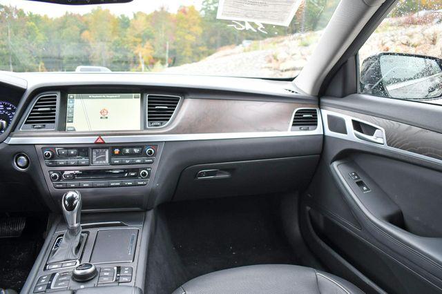 2015 Hyundai Genesis 3.8L AWD Naugatuck, Connecticut 19