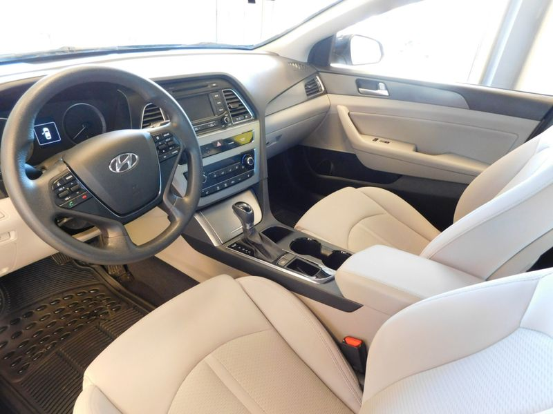 2015 Hyundai Sonata 24L Sport  city TN  Doug Justus Auto Center Inc  in Airport Motor Mile ( Metro Knoxville ), TN