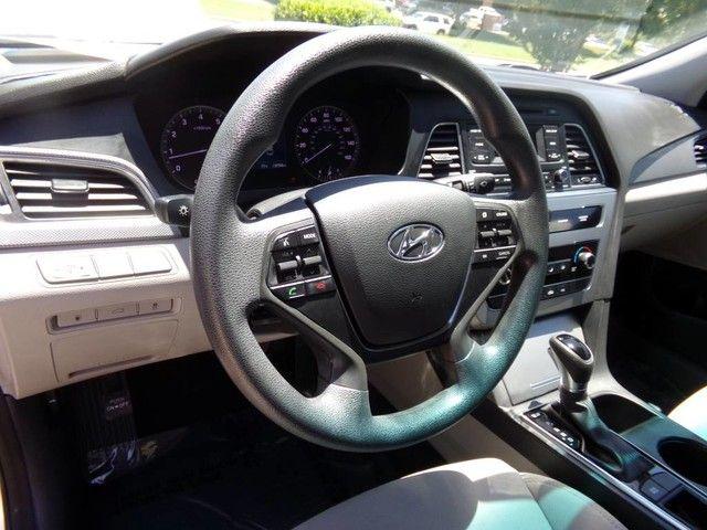 2015 Hyundai Sonata 2.4L SE in Carrollton, TX 75006