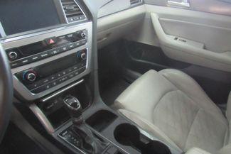 2015 Hyundai Sonata 2.4L Sport W/ NAVIGATION SYSTEM / BACK UP CAM Chicago, Illinois 16