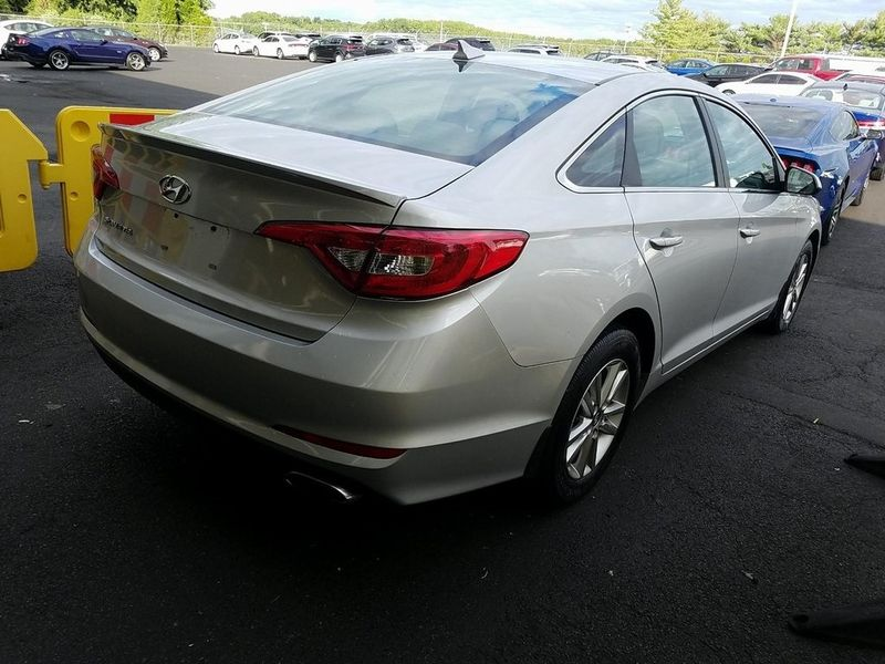 2015 Hyundai Sonata 24L SE  city Ohio  North Coast Auto Mall of Cleveland  in Cleveland, Ohio
